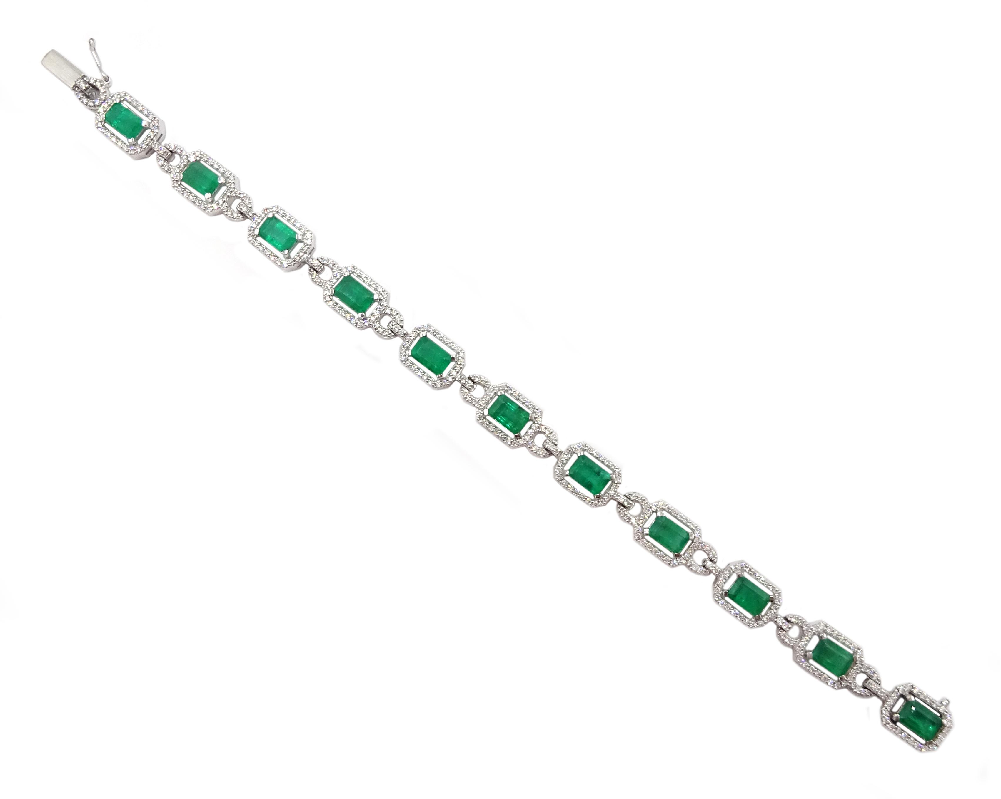 18ct white gold emerald cut emerald and round brilliant cut diamond bracelet, hallmarked, emerald - Image 2 of 4