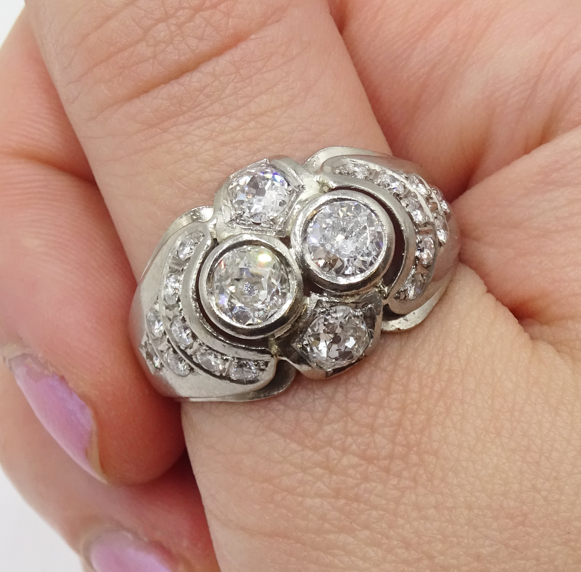 Continental 14ct white gold old cut and round brilliant cut diamond ring, stamped 585, total diamond - Image 2 of 5