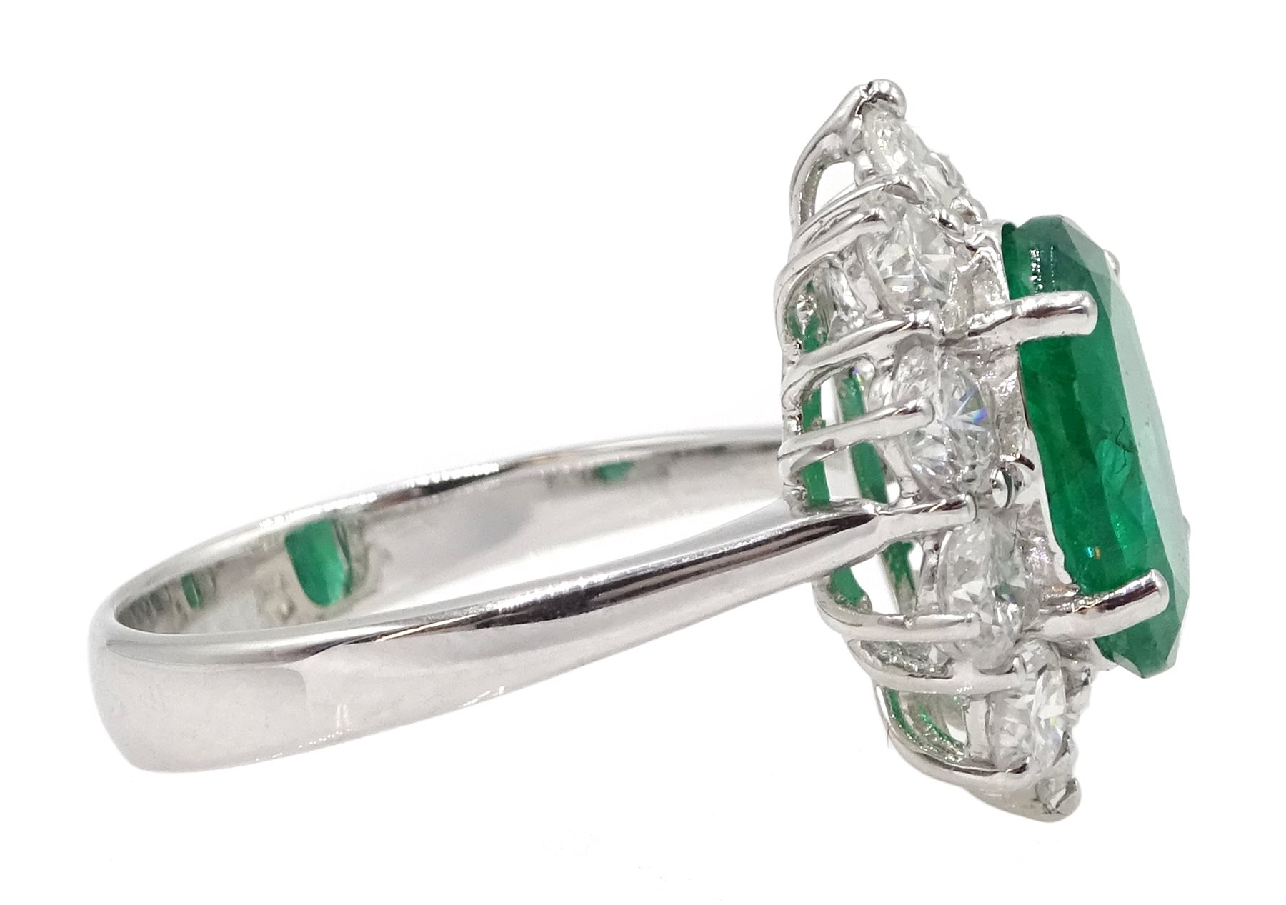 White gold oval emerald and round brilliant cut diamond ring, stamped 750, emerald approx 2.80 - Image 4 of 5