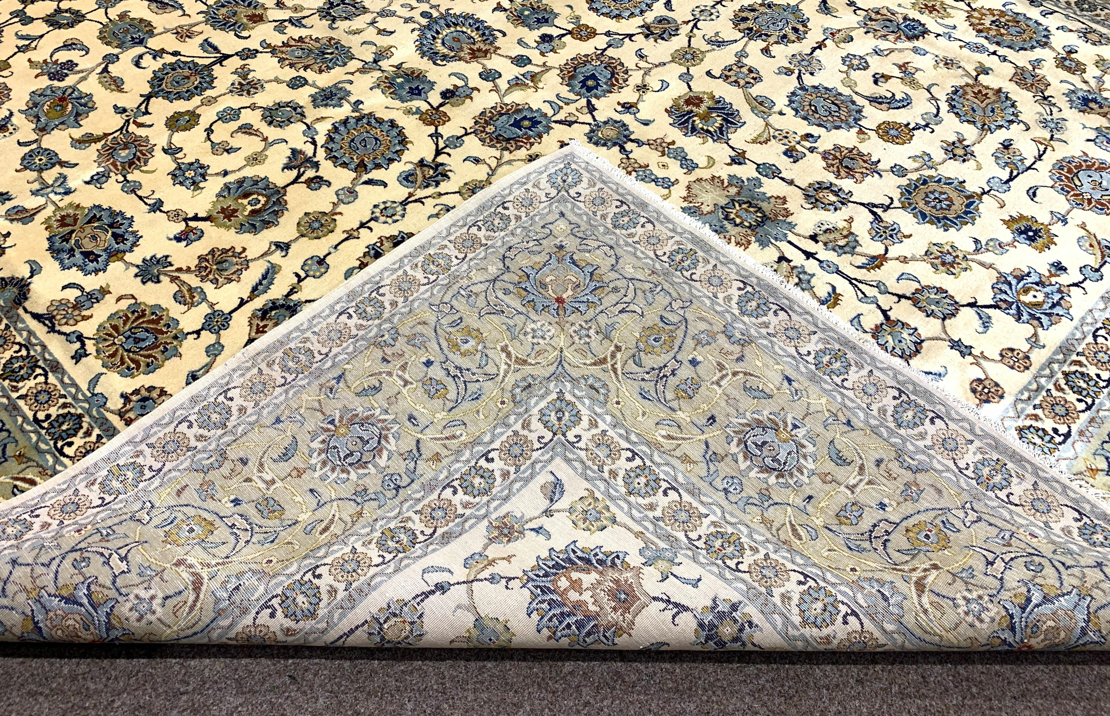 Large Persian Kashan carpet, ivory ground with interlacing foliage, decorated with stylised flower - Image 3 of 5
