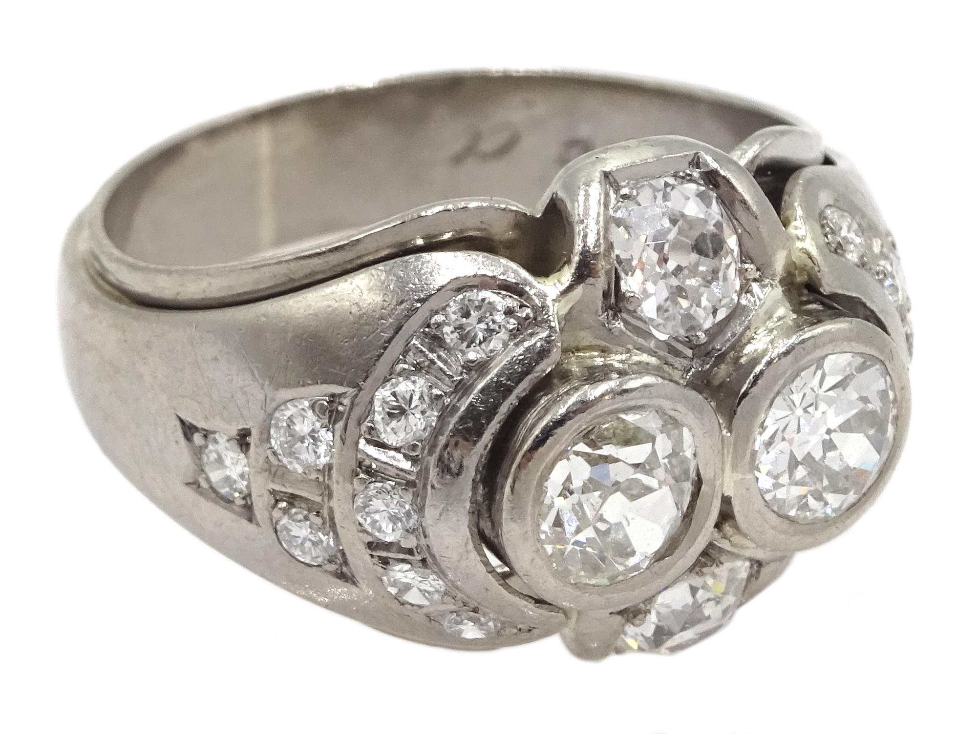 Continental 14ct white gold old cut and round brilliant cut diamond ring, stamped 585, total diamond - Image 3 of 5