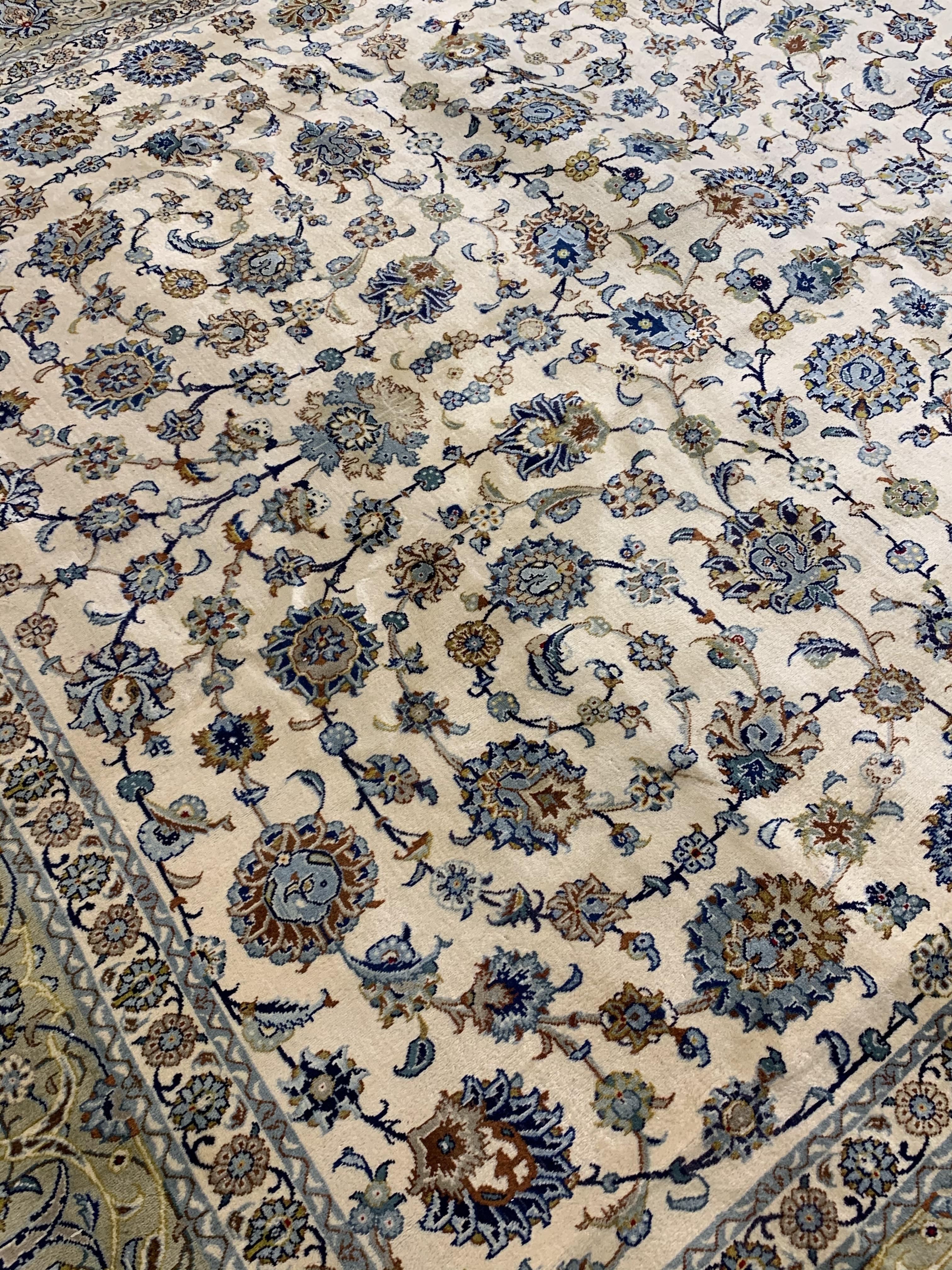 Large Persian Kashan carpet, ivory ground with interlacing foliage, decorated with stylised flower - Image 5 of 5