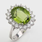 PERIDOT - DIAMOND - RING