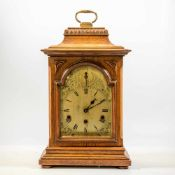 Table clock with westminster Chimes, made in Germany around 1900-1920. Length: 28 cm , Width: 19,5