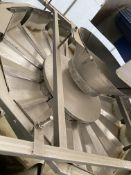 MULTIHEAD WEIGHER AWITH INCLINE FEEDER