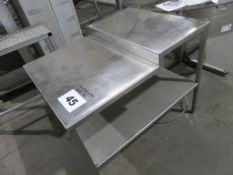 S/S TABLE.