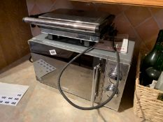 Tower microwave & Breville grill