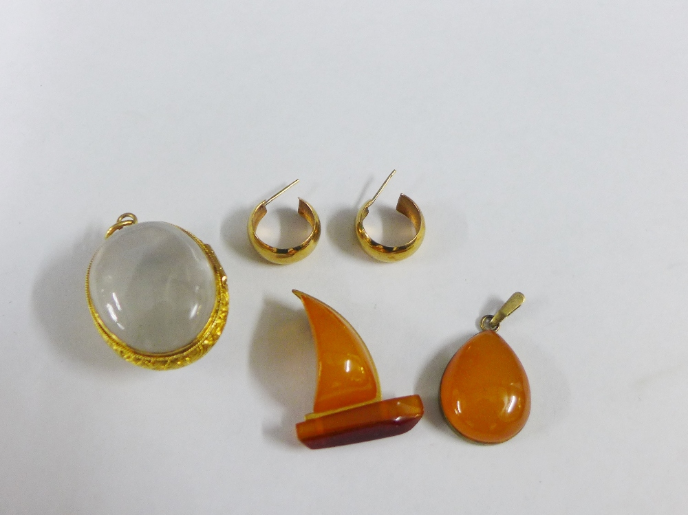 Lot 14 - Pair of 9 carat gold hoop earrings together with a amber and yellow metal brooch and similar pendant