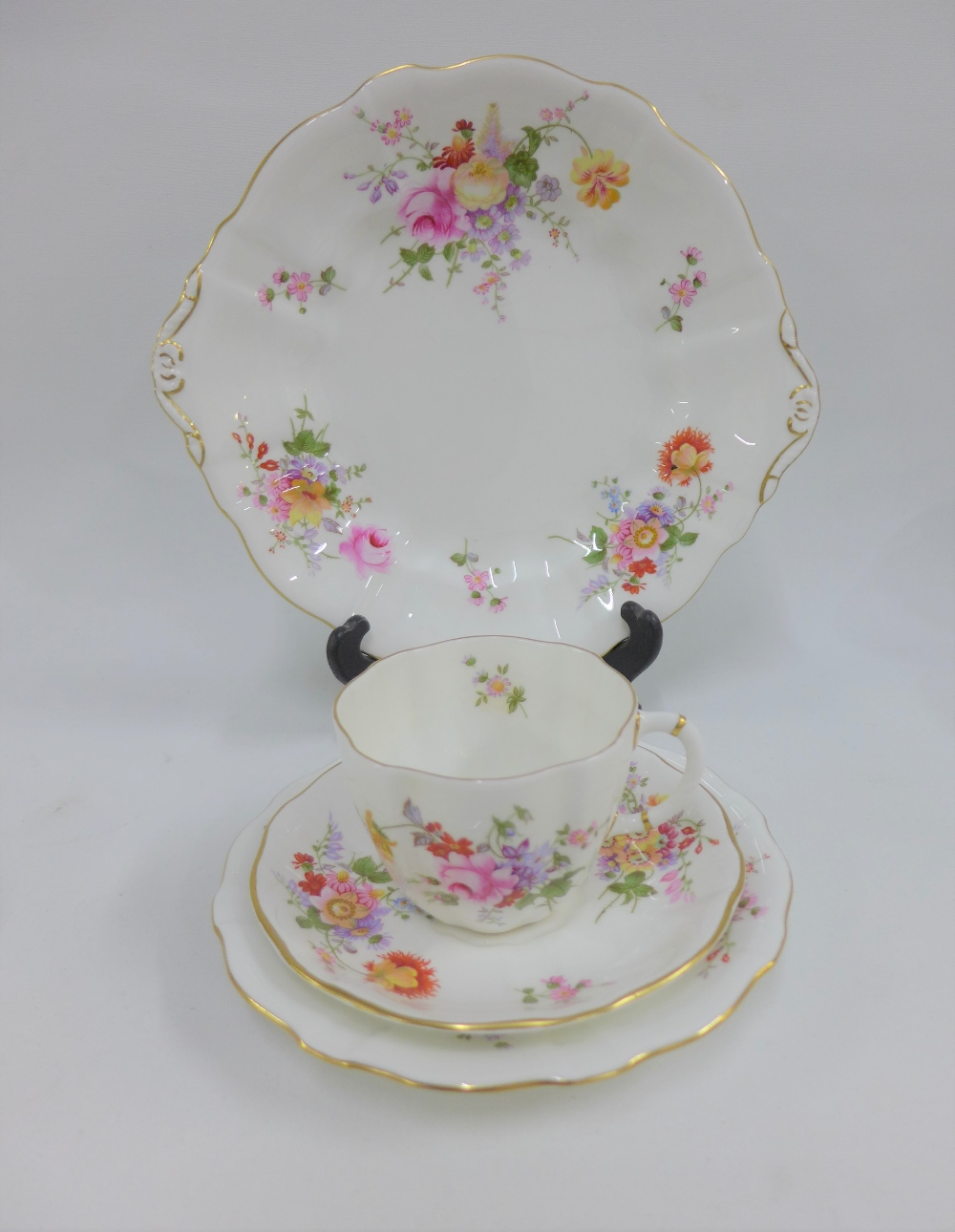 Lot 280 - Royal Crown Derby posies pattern eight place teaset, (28)
