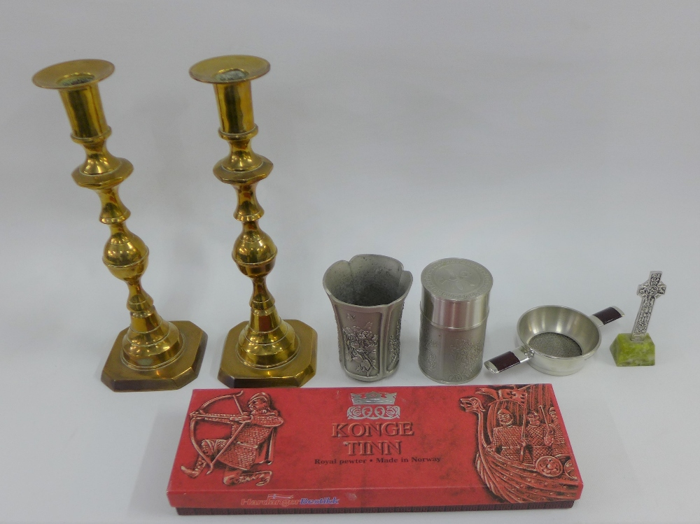 Lot 282 - Mixed lot to include an Iona style cross, pewter cups, stainless steel strainer and brass