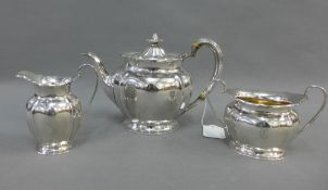 George V silver teaset, Atkin Brothers, Sheffield 1916,comprising teapot, cream jug and twin handled