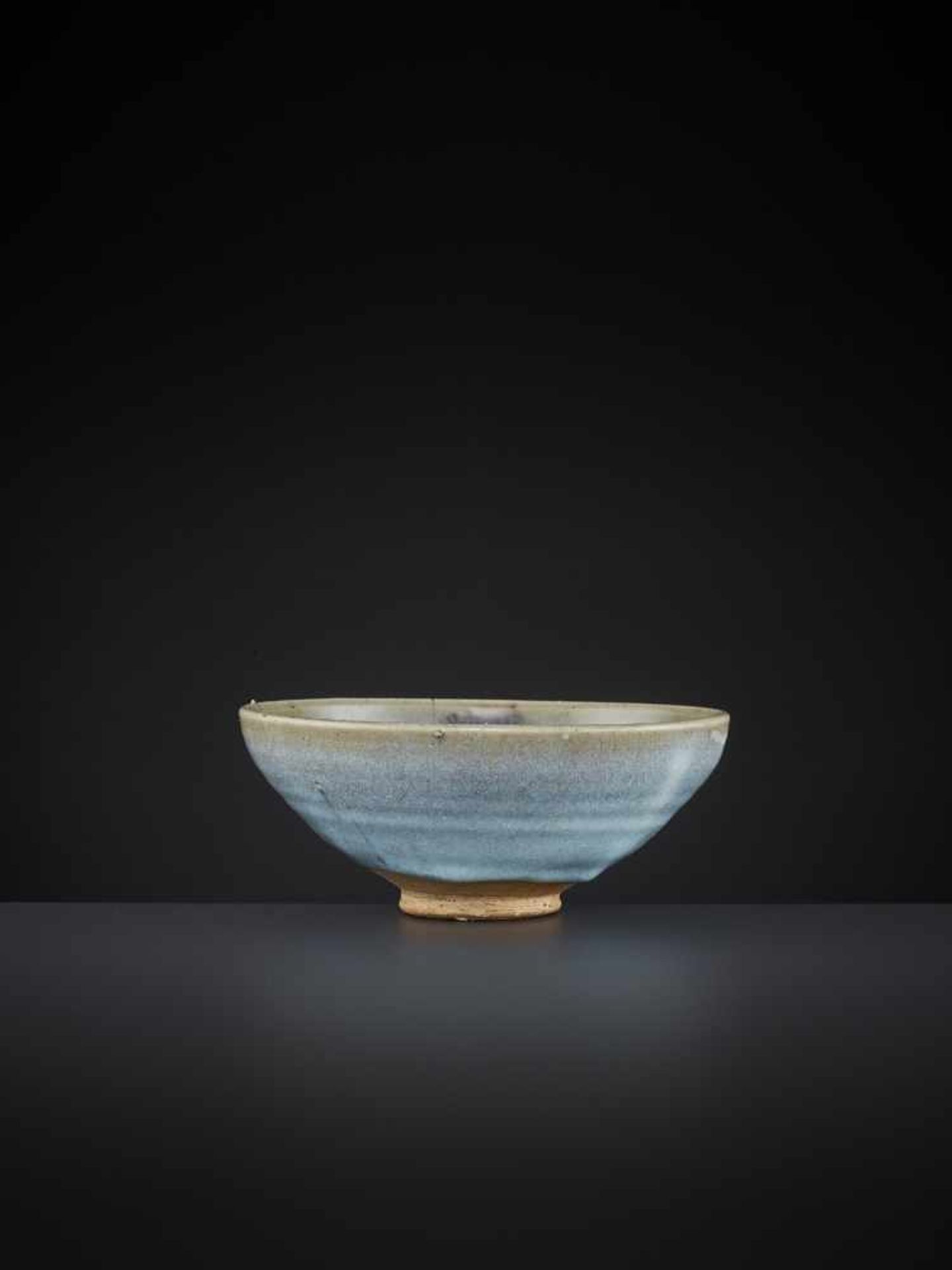 Los 409 - A JUNYAO CONICAL BOWL, 13TH-14TH CENTURY