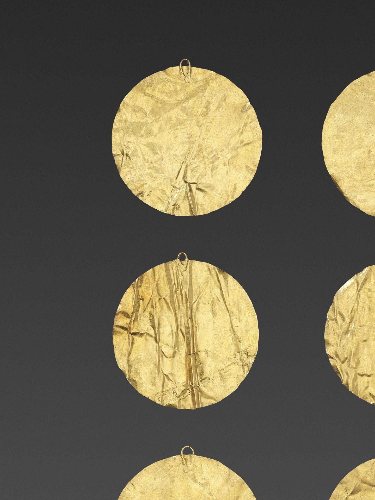 SIX BACTRIAN GOLD DISKS - Bild 2 aus 4