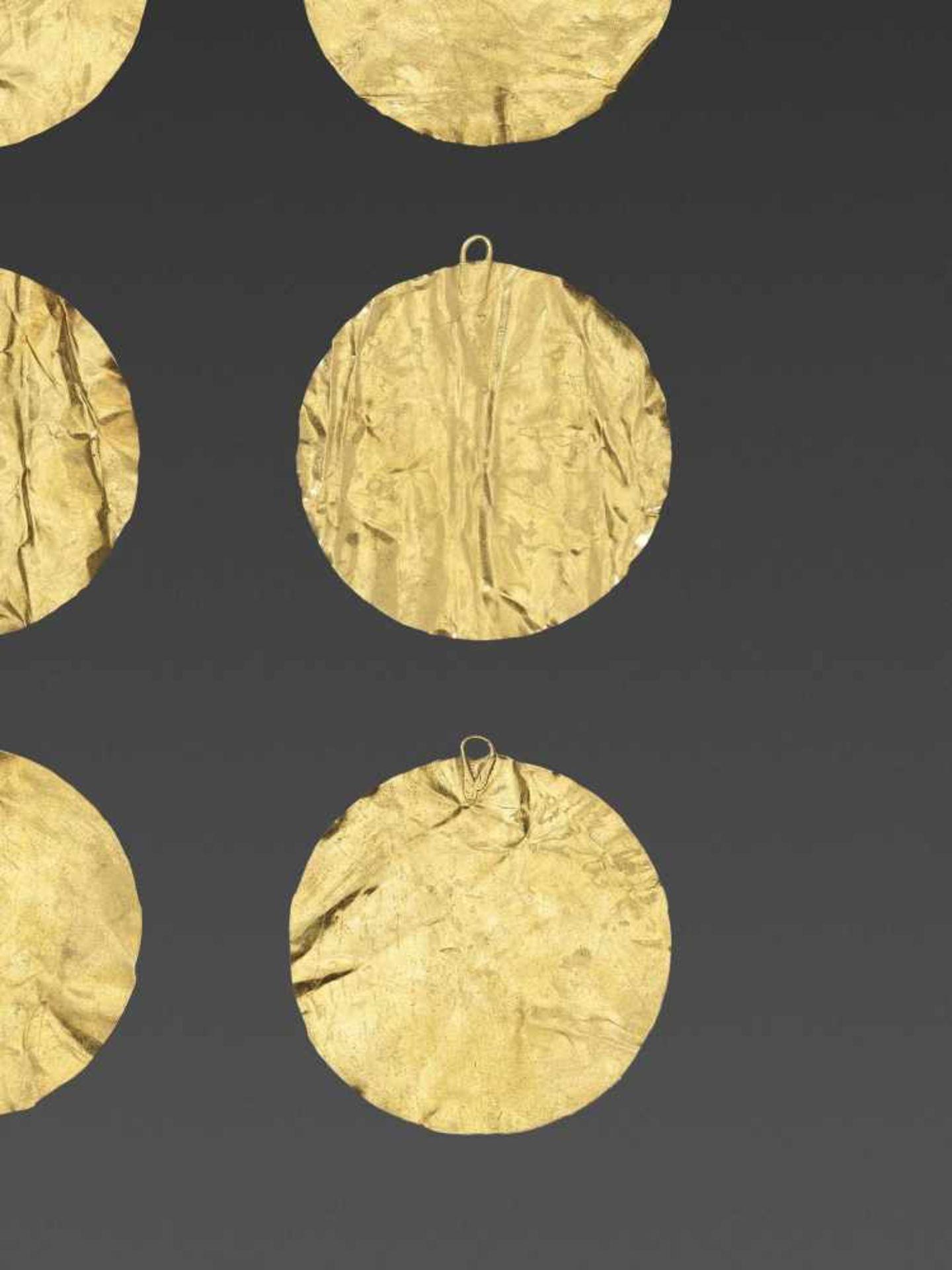 SIX BACTRIAN GOLD DISKS - Bild 4 aus 4