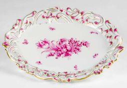 Herend: Platte, 1947. Porcelain, pink flower painting. Model number 7495. 34,5 x 27 cm,Provenance: