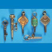 Bundle with 7 pocket watch keys, silver and gold-platedKonvolut mit 6 Taschenuhrschlüsseln,