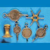 Bundle with 5 pocket watch keys an 1 signet, silver and gold-platedKonvolut mit 5 Taschenuh