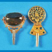 Bundle with 2 pocket watch keysKonvolut mit 2 Taschenuhrschlüsseln, 1 mit geschliffenem Ste