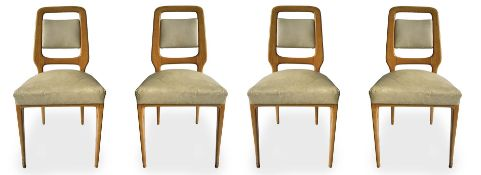 Group of four chairs, light wood structure, padded backrest, covered with beige-colored sky,