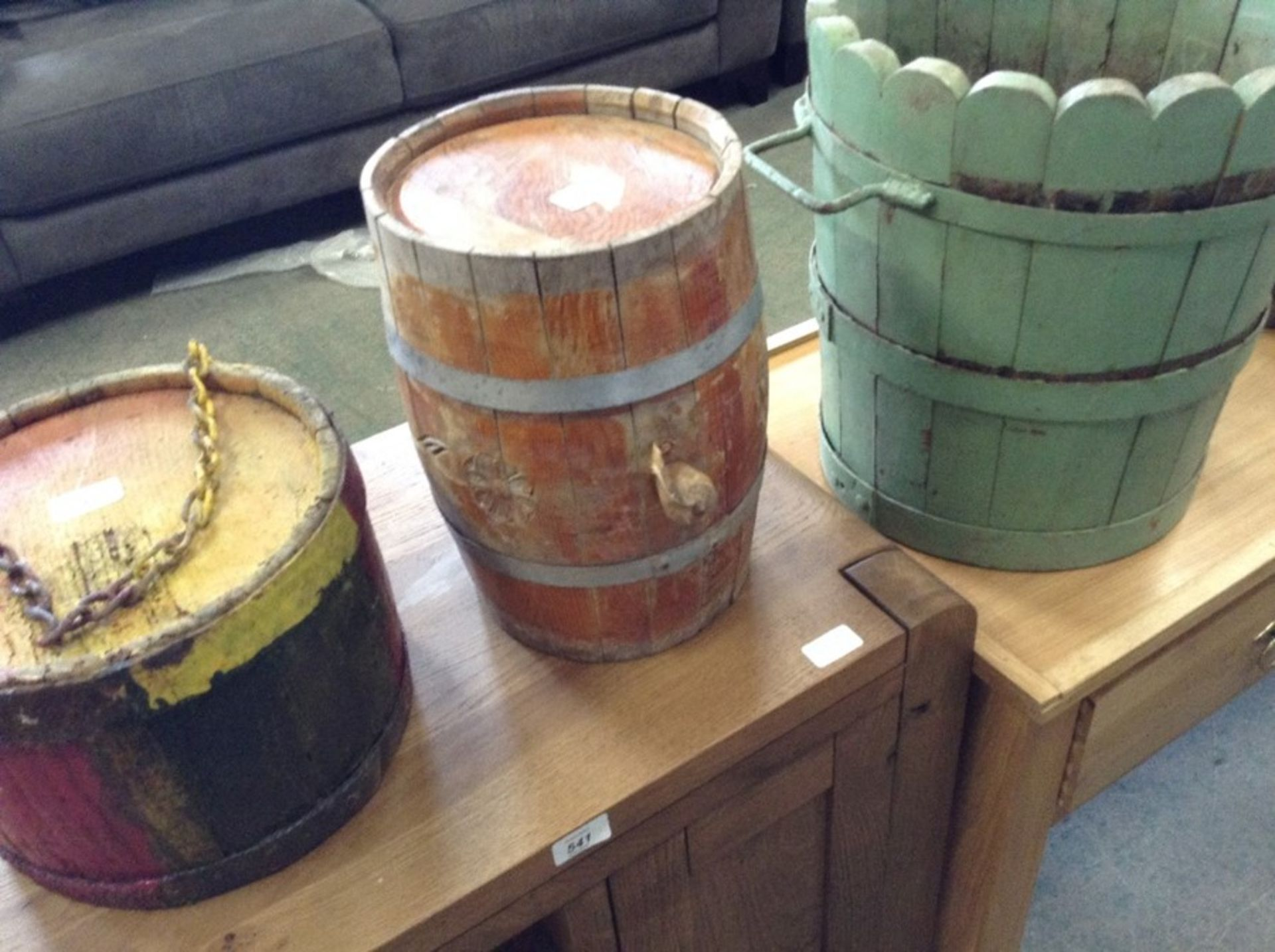 Lot 640 - SMALL BARREL