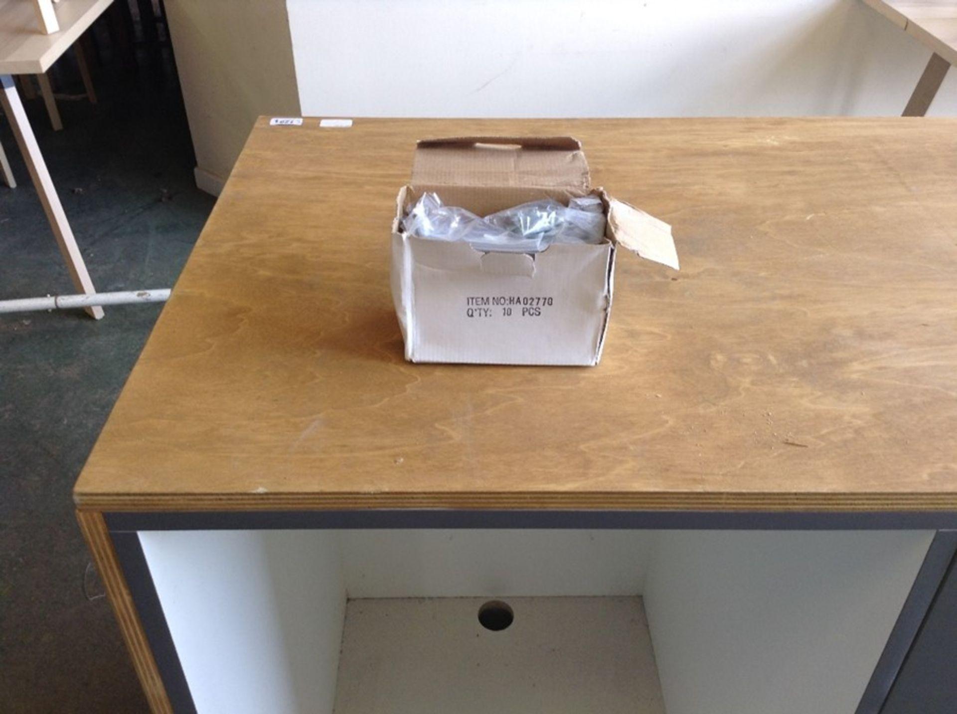 Lot 139 - BOX OF NEW HANDLES