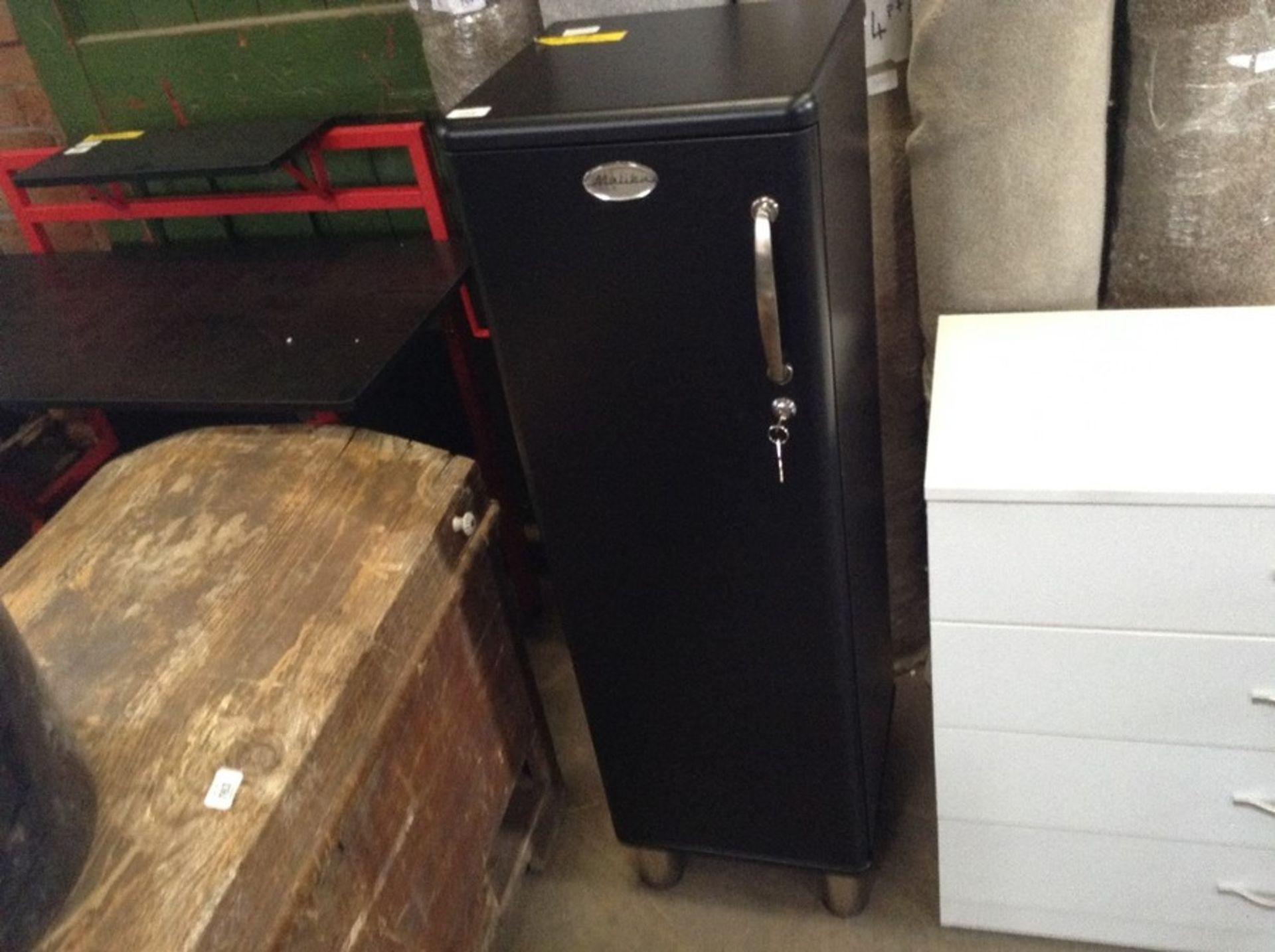 Lot 773 - Tenzo,Malibu 1 Door Storage Cabinet RRP - £182.99 (H16053 - 3/38 -WLDH1172.12887360)