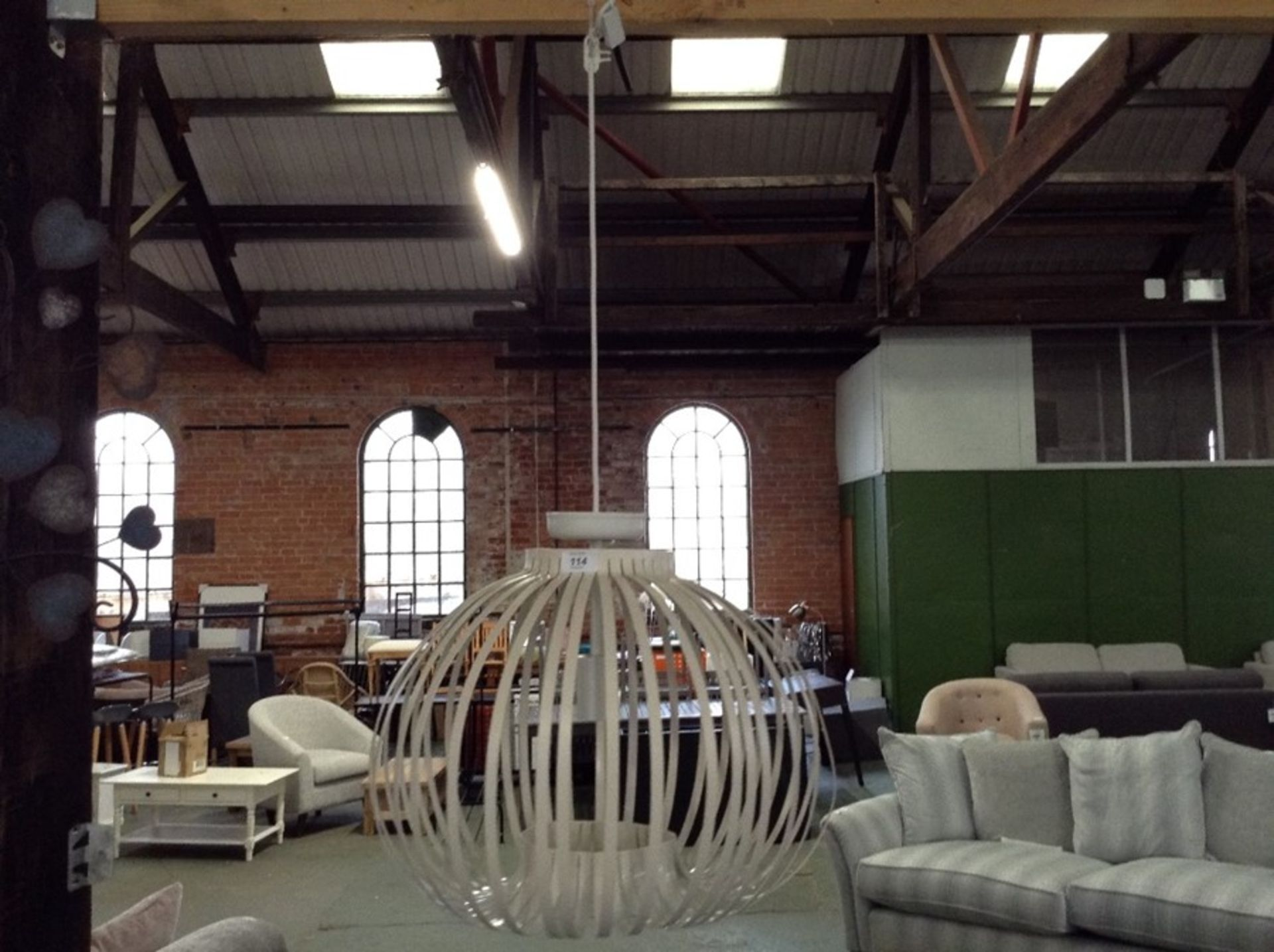 Lot 114 - HANGING LIGHT