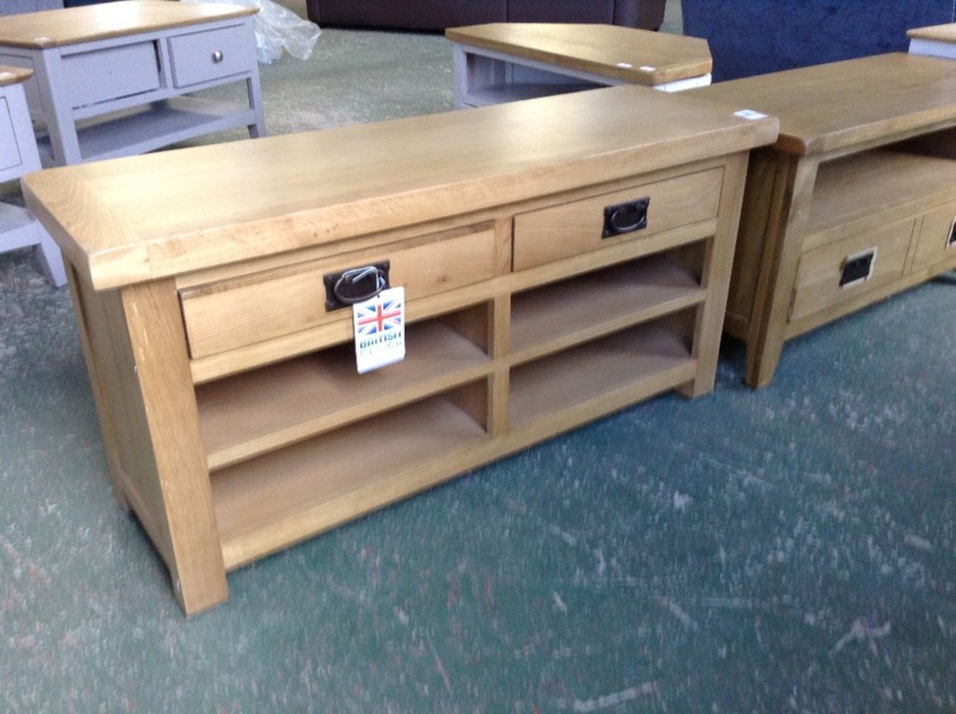 Lot 243 - Winchester Oak Hall Bench ( CH11-CO-HB