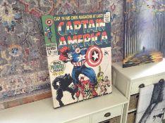 Happy Larry,Captain America Retro Graphic Art Print on Canvas RRP -£28.35 (ARTG3484 -15055/36)