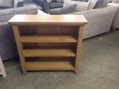 Rustic Oak Small Wide Bookcase (NC-SWB-OAK-E71) (DAMAGE FRONT)