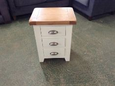 Hampshire Ivory Painted Oak Large 3 Drawer Bedside Table (F62 - -KEL P03)(DAMAGE)