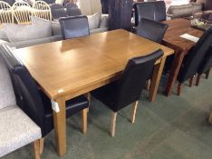 OAK EXTENDING TABLE WITH 4 CONTRAST CHAIRS (SLIGHT