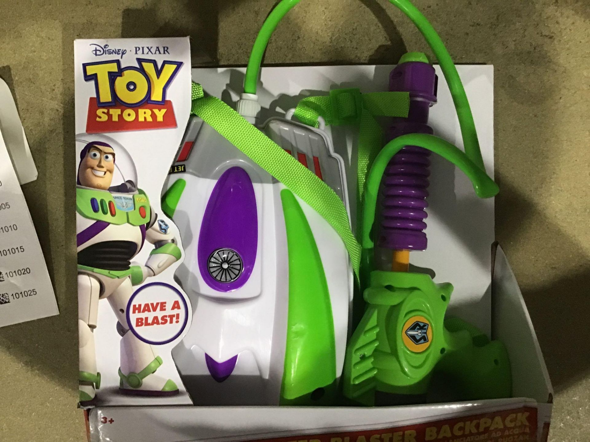Disney Toy Story Buzz Lightyear Water Blaster Backpack, £10.00 RRP - Image 3 of 4