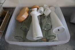 Quantity of Various Vases as Lotted, Lot is Located Main Building, Room: Canteen