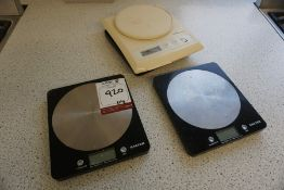 3no. Various Digital Weighing Scales as Lotted, Lot Located in Block: 5 Room: 6