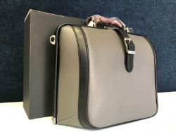Unreserved Online Auction - 42no. Unused Artphere Messenger Bags