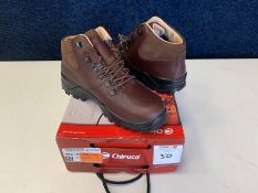 Chiruca Tour Lite Gore Tex Hiking Boots, Size: 42, RRP: £120.00