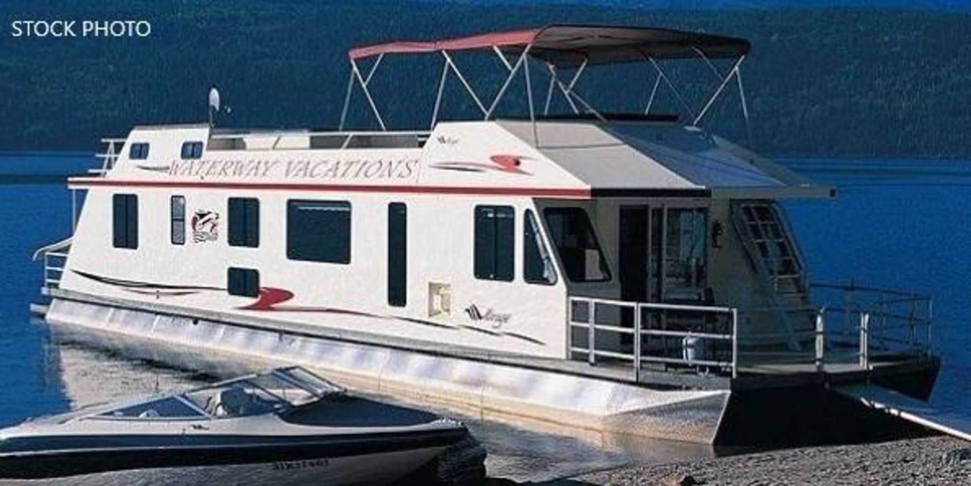 Unreserved Auction (2) 2001 Mirage 65 Houseboats