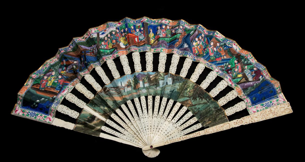 Lot 9 - A CHINESE EXPORT CARVED IVORY CABRIOLET FAN, QING DYNASTY, DAOGUANG PERIOD, CIRCA 1840