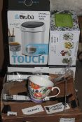 Lot to Contain 4 Assorted Items to Include Brabantia Mini Touch Bins, Botanic Gardens Set of 4