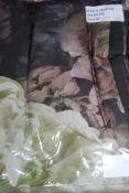Designers Guild, le poeme Defleurs, King-Size Duvet Cover set with Pillow Cases, Combined RRP£140.00