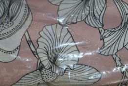 Boxed Verona Floral Pink Roman Blind, RRP£105.00 (15907) (Public Viewing and Appraisals Available)