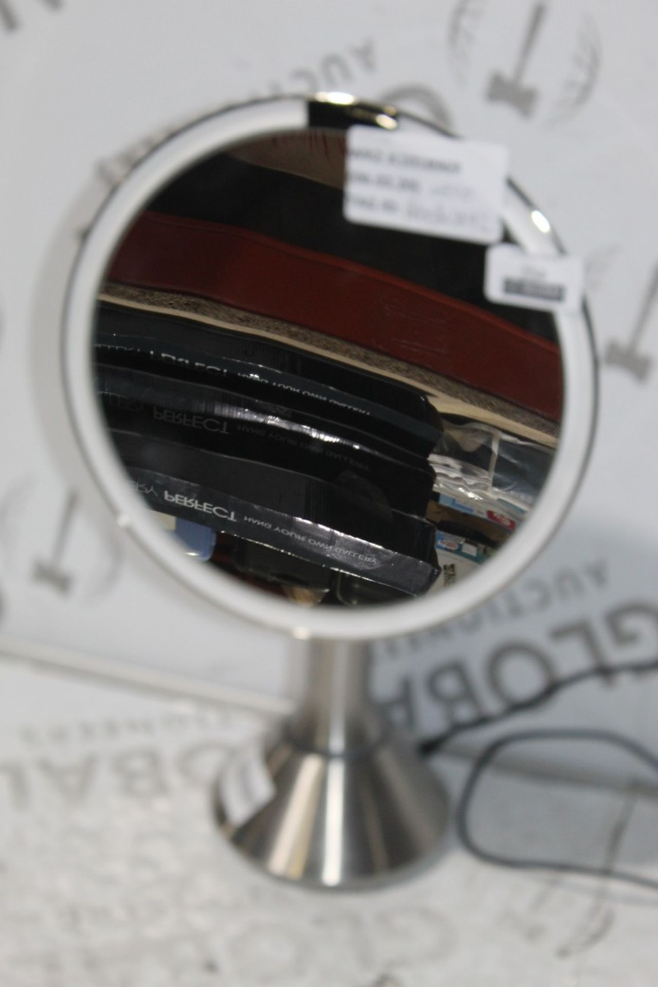 Lot 254 - Simple Human, Sensor Mirror, RRP£85.00 (RET00803842) (Public Viewing and Appraisals Available)