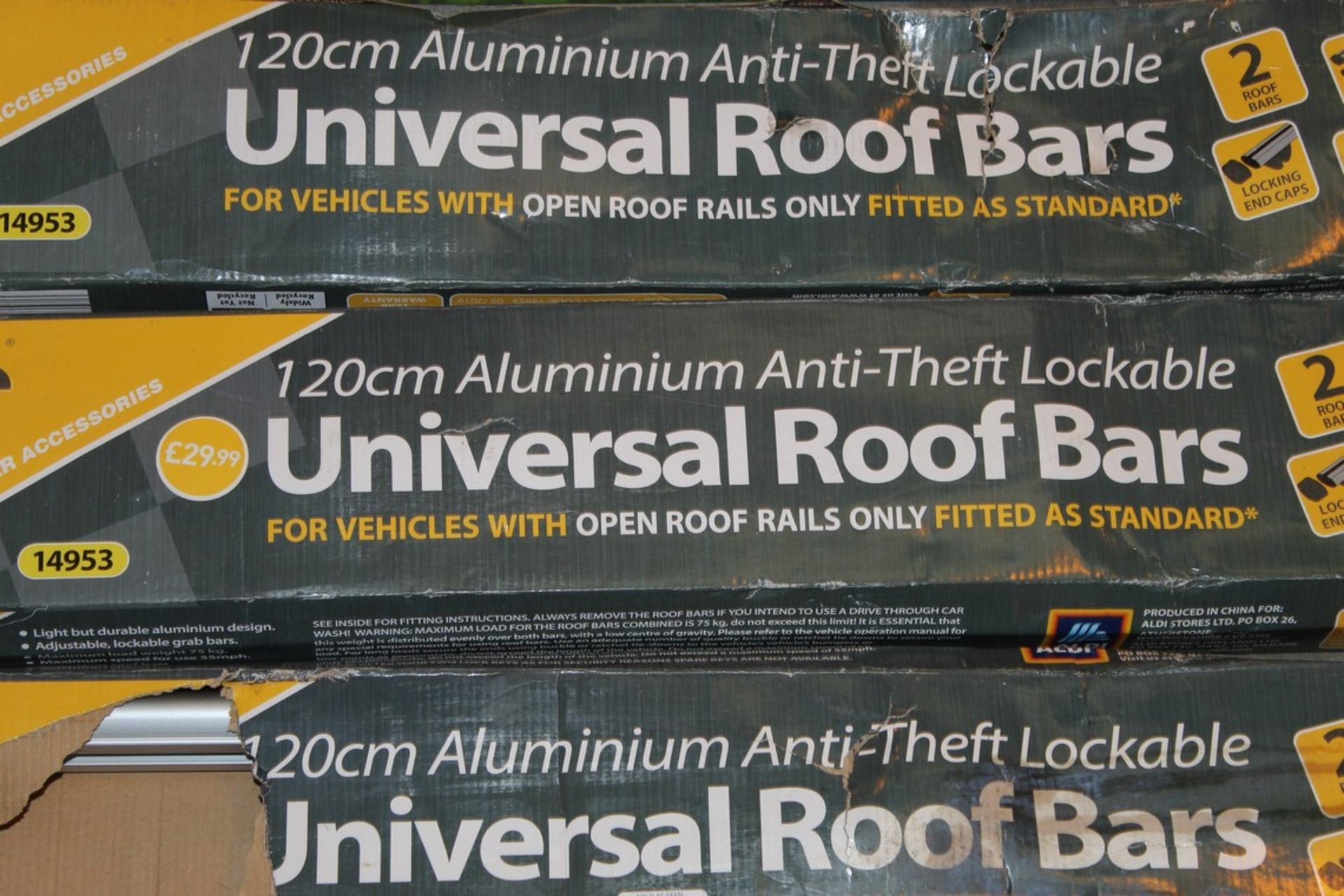 Lot 820 - Boxed 120cm Aluminium Anti Theft Lockable Universal Roof Bars