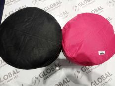 Lot to contain two small circular pouff