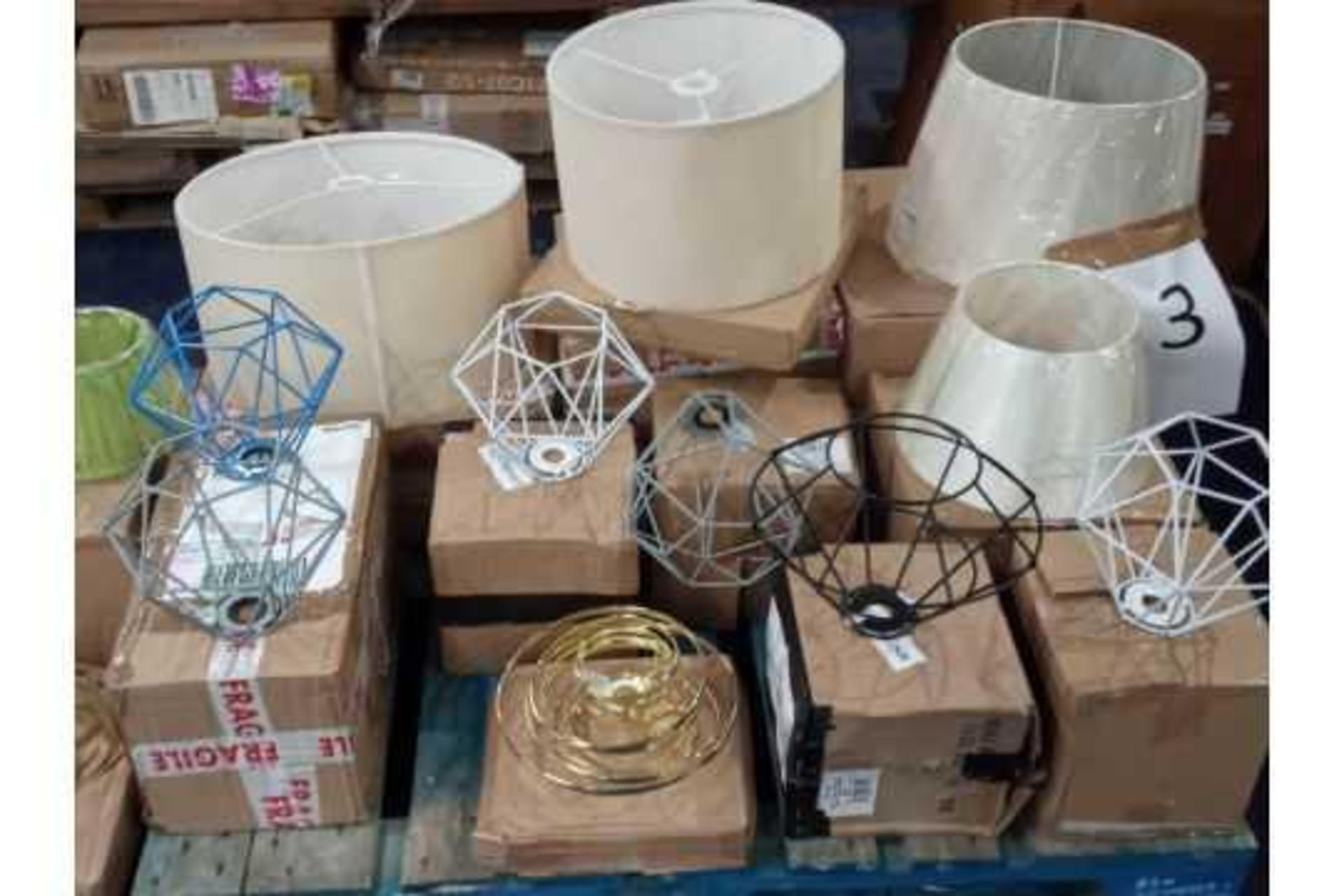 RRP £350 Pallet Of Lampshades