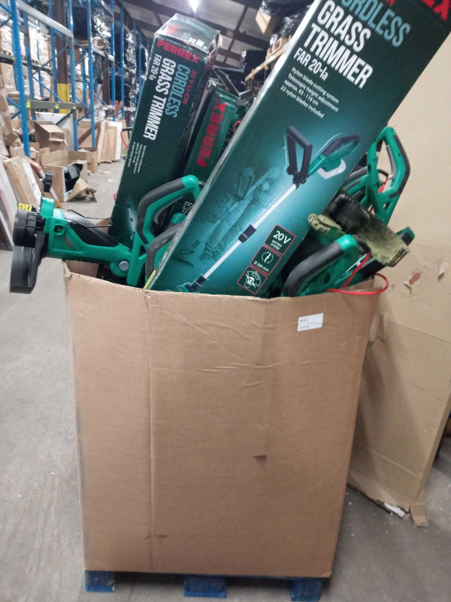 RRP £600 Pallet Of Assorted Ferrex Grass Trimmers - Image 2 of 3