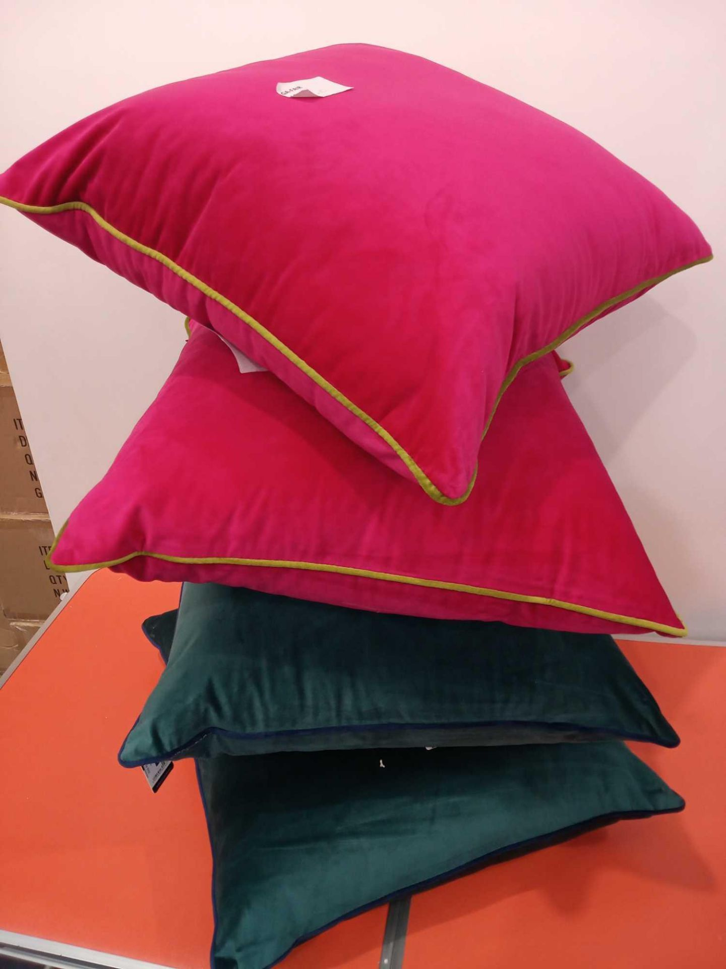 Lot 392 - Rrp £30 Each Assorted Paoletti Velvet Cushions 2 In Dark Green With Blue Piping And 2 In Pink With G