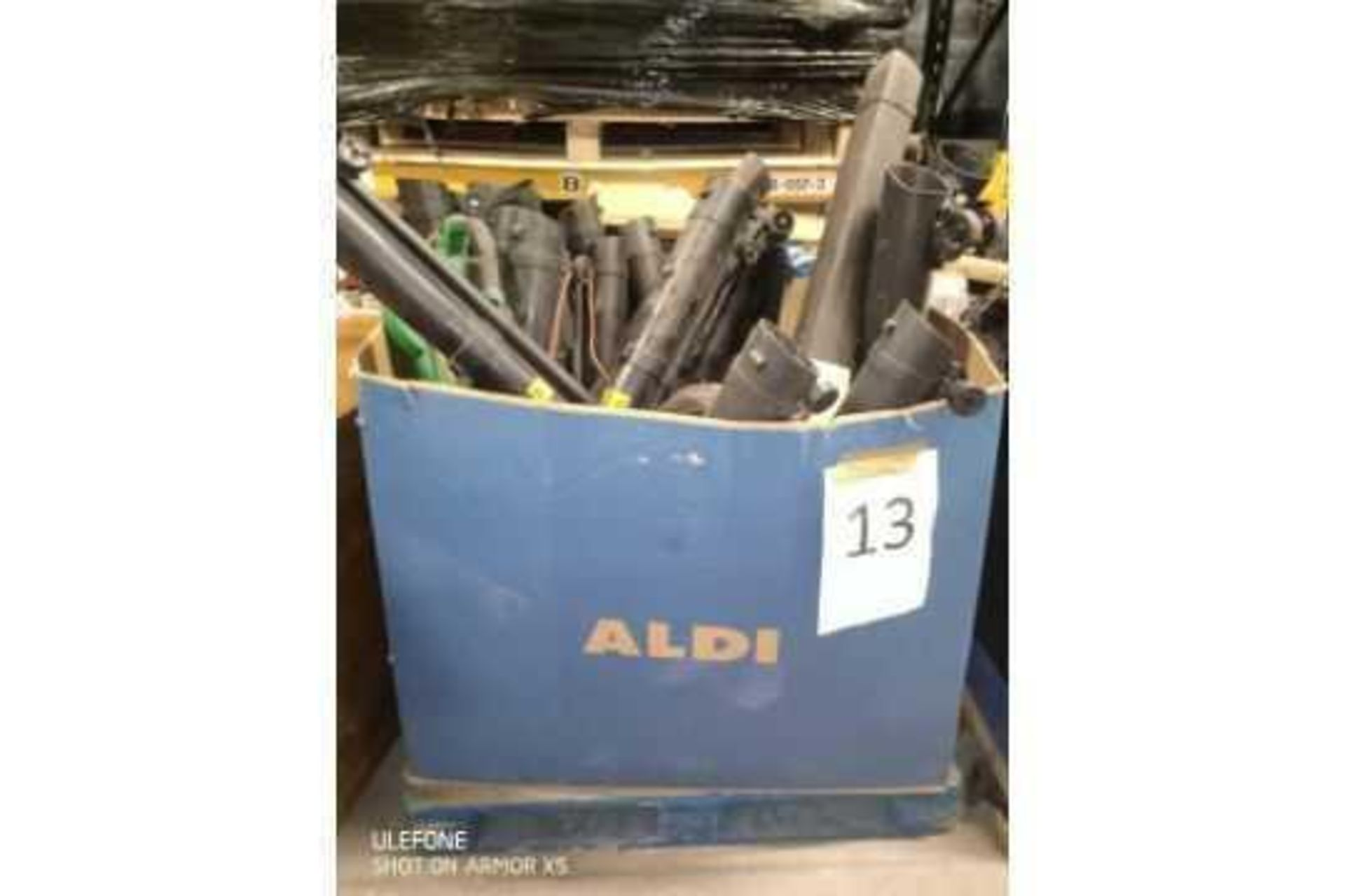 Rrp £500 Pallet Of Assorted Leaf Blowers