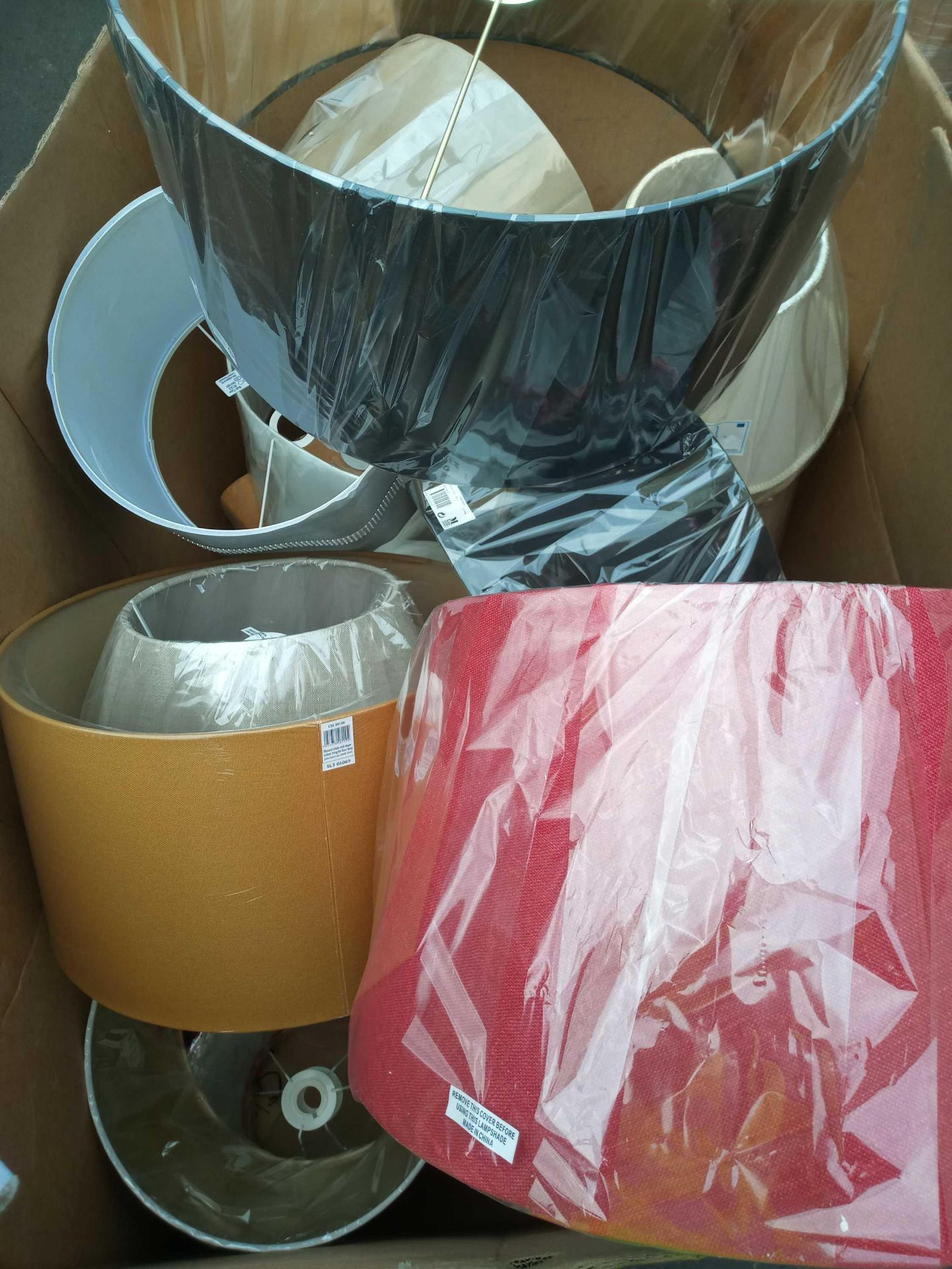 Rrp £400 Pallet Of Assorted Lamp Shades